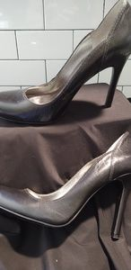 Guess by Marciano 9.5 black stiletto heels EUC